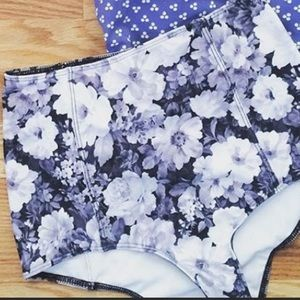 DISO this print in medium top or bottom